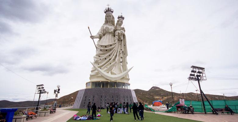 Monumento a la Virgen del Socavón
